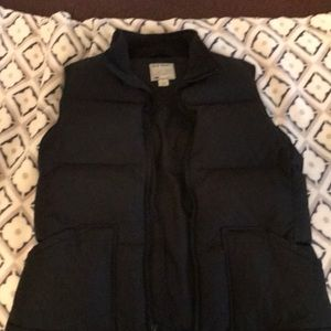 Ladies puffer vest. EUC